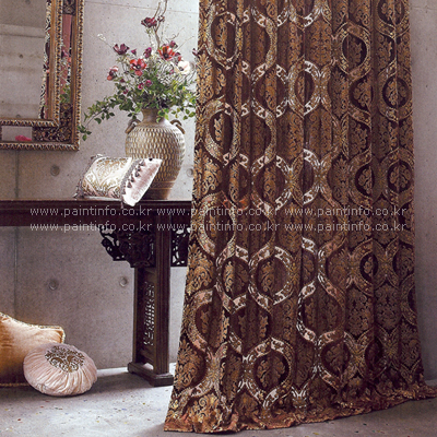 Shop/Itemimages/4_curtain_de_timora.jpg