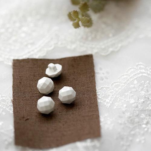 NE/white hexagon cube jewelry shirts button (낱개판매)