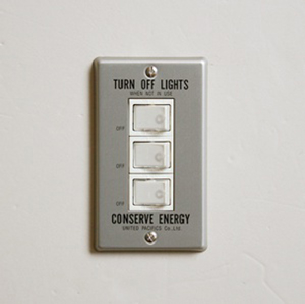 P.F.S. Switch plate Alumi_3구 Black