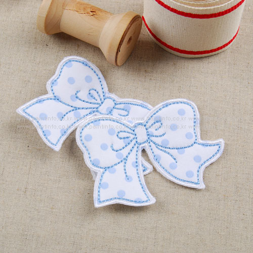 WD/cutie ribbon 와펜(화이트)